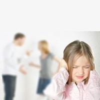 بدگویی والدین پشت سر یکدیگر به سلامت روانی فرزندان آسیب جدی میزند