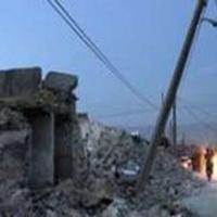 یک باب مدرسه در شهر زلزله زده بستک به طور کامل آسیب دیده است