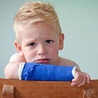 نکات مهم درباره شکستگی استخوان کودکان