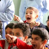 گزارش تصویری/نمایش مفید برای شادی کودکان بیمار