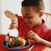 محدود کردن سدیم و نوشیدنیهای حاوی شکر در رژیم غذایی کودکان ضروریست