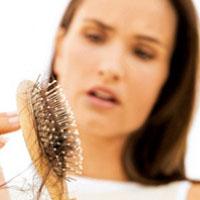 علت ریزش ناگهانی موها چیست؟
