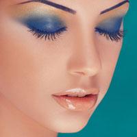 چرا برخی خانمها بیش از حد آرایش می کنند؟