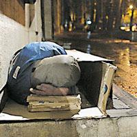 معتادان کارتنخواب در نیمهشب برفی : یکنفر اینجا از سرما جان داد
