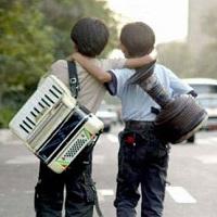 لحظه تحویل سال در کنار کودکان کار و خیابان
