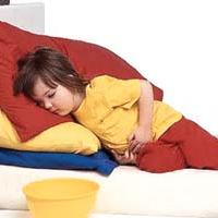 هنگام شکم درد کودک از خوددرمانی پرهیز کنید