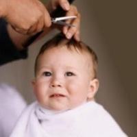 چطور موهاي نوزاد را كوتاه كنيم؟