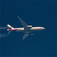 عکس/مادر مسافر ایرانی هواپیمای مفقود شده مالزی: پسرم دنبال رویاهای زیبایش بود
