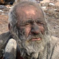 مردی که نزدیک یک قرن به حمام نرفت / کثیف ترین مرد ایران سالم است