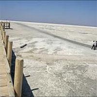 ۹۰درصد دریاچه ارومیه نمکزار شده است