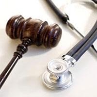اعتراض به مجازات پزشکان متخلف منطقی نیست/ پزشکان مسئولیتپذیر باشند