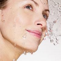 تأثیر کم آبی بدن بر سلامت پوست و موها