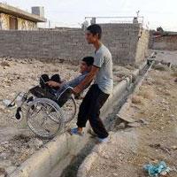 خانه نشینی معلولان یک روستا به دلیل ناهمواری جاده ها