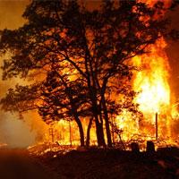 100 هکتار از اراضی پارک ملی گلستان در آتش دود شد