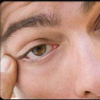 درمان های مفید برای خشکی چشم