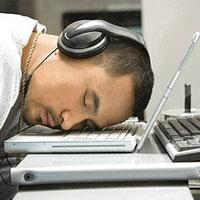 چرت30دقیقه ای سردرد کارمندان را کم می کند