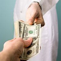 ۳۵۰۰ پزشک هر کدام سالی دو، سه میلیارد تومان رشوه میگیرند!؟