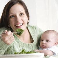 10 خوراکی مغذی برای زنانی که به تازگی مادر شده اند