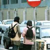 سن دختران فراری در ایران به ١٢سال رسید/5 درصد زنان خیابانی ایدز دارند