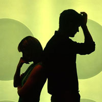 تحقیر همسر ممنوع