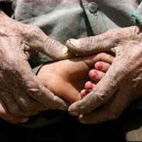در ۲۵ درصد خانوارهای فقیر بیش از ۲ نفر کار میکنند