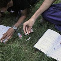 هشدار نسبت به مصرف سیگار در دبیرستانها