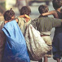 آشتی با نگاه های پینه بسته کارگران کوچولو