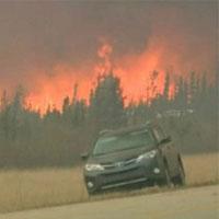 عکس/آتش سوزی در کانادا ادامه دارد/ راه های فرار بسته شد