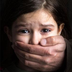 چرا معلم متجاوز به دختر 9 ساله روستایی آزاد شد؟