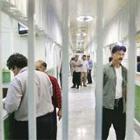 ۳برابر ظرفیت زندانها زندانی داریم