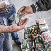 دستفروشهای وانتی مواد مخدر در شهر!