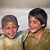 چه کسی موی «کودکان کار» را تراشید؟