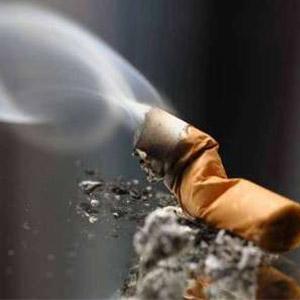 ممنوعیت استعمال سیگاردر اماکن عمومی از مهر