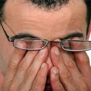چطور سندرم چشم خشک را درمان کنیم؟