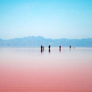 هشدار درباره استحصال بیرویه نمک از دریاچه ارومیه/از ورود پساب های صنعتی به دریاچه جلوگیری شود