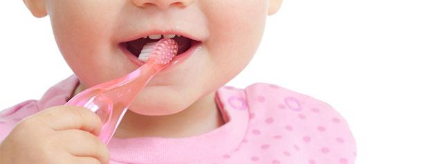نکته های مهم برای مراقبت از دندان های شیری کودکان