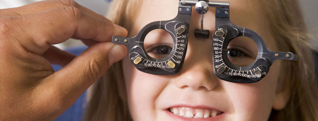 معاینات چشم پزشکی در چه کسانی ضروری است؟