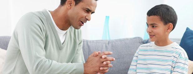چه زمانی درباره بلوغ با فرزندمان صحبت کنیم؟