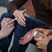کشف 2 تن مواد مخدر در اطراف مدارس/ 10هزار دانشآموز معتاد در کشور
