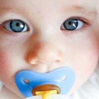 تغییر حالت دندانها و فک کودکان با مصرف پستانک