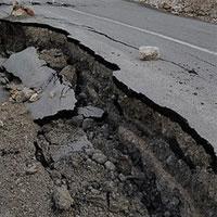 """اهالی شهر """"فراغی"""" با دلهره رانش زمین به زندگی ادامه میدهند"""