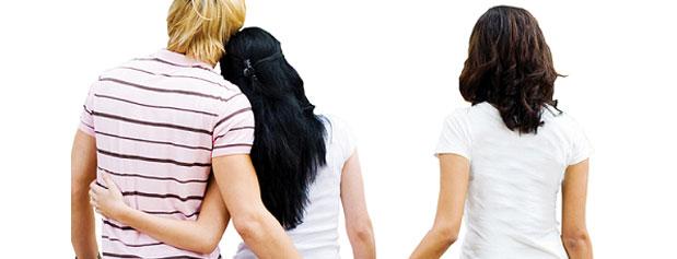 این رفتارها به شما می گوید که همسرتان خیانت می کند یا نه !