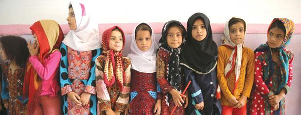 توقف خدمات بهداشتی دختران مناطق محروم به خاطر 20 میلیون تومان!