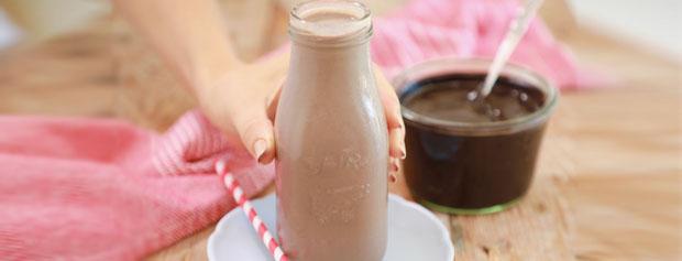 آیا شیرکاکائو، مواد مغذی شیر ساده را دارد؟