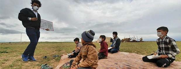 روز معلم؛ تكرار شعارها، تكرار انتقادها/ حقوق 400 هزارتومانی سرباز معلمان!