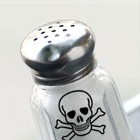 به خاطر ۷ دلیل خطرناک، مصرف روزانه نمک را کنترل کنید