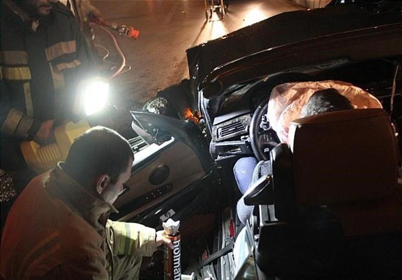 up 458759209749c63df3baca81a5732631 عکس/متلاشی شدن BMW پس از تصادف با ستونهای پل صدر   حوادث سلامت