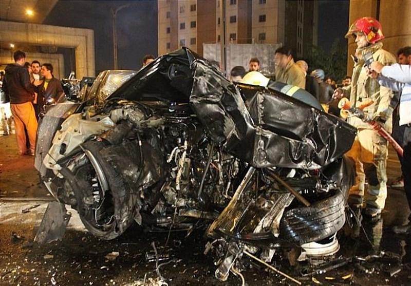 up 80e4418865f2b6a90410a97272175f6d عکس/متلاشی شدن BMW پس از تصادف با ستونهای پل صدر   حوادث سلامت