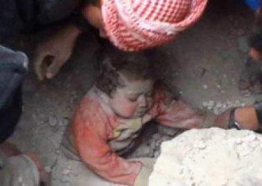 کودک سوری در زیرآوار